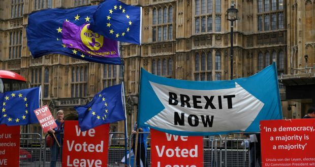 The glorious hour of Brexit - Isidoros Karderinis
