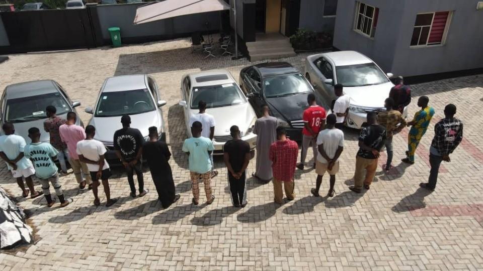 22 men arrested for alleged Internet Fraud in Ogbomoso