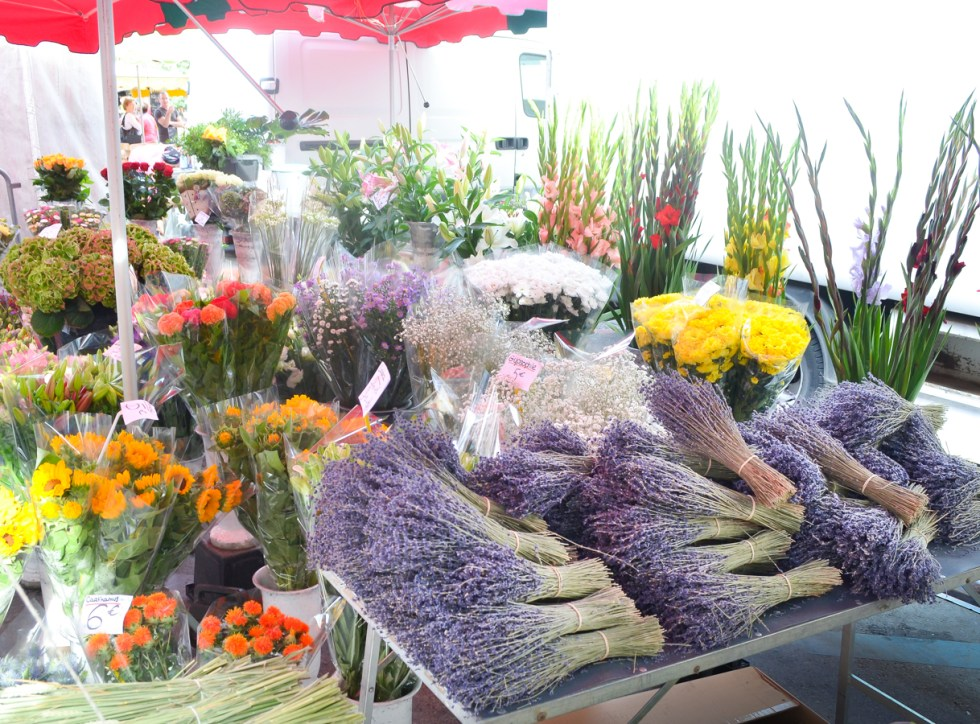 French Markets in France:: Saint-Rémy-de-Provence Wednesday Market Photos