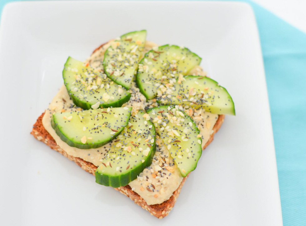4 Ways to Eat Hummus Toast | Vegan, Healthy Bread Toast Ideas Recipes | Cucumber + Homemade Everything Bagel Seasoning | Luci's Morsels :: LA Healthy Food Blogger
