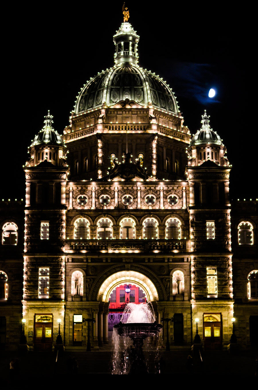 What to Do in Victoria, B.C. Travel Guide