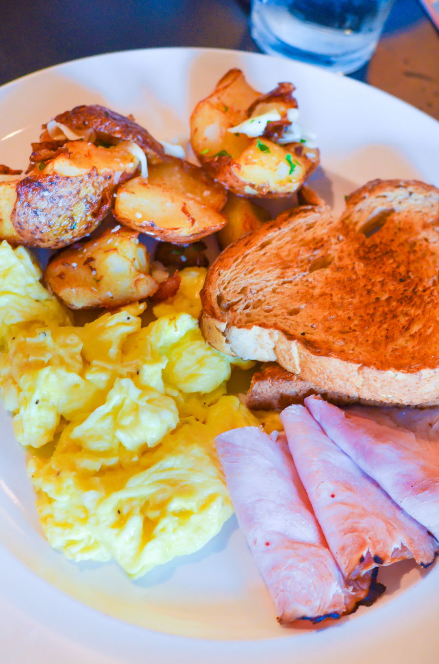 Where to Eat in St. Louis | Restaurant Guide | Triumph Grill at Hotel Ignacio