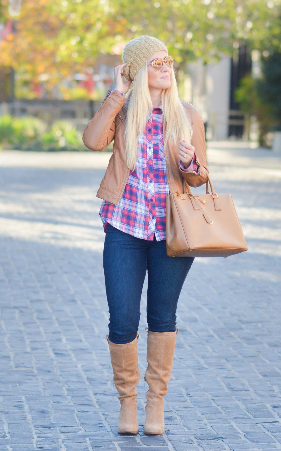 how to look chic in flannel shirts
