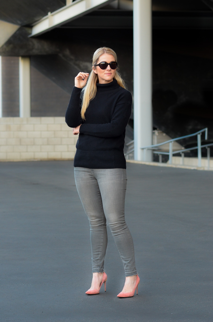 Casual Valentine's Day Outfit - Aritzia Turtleneck Outfit