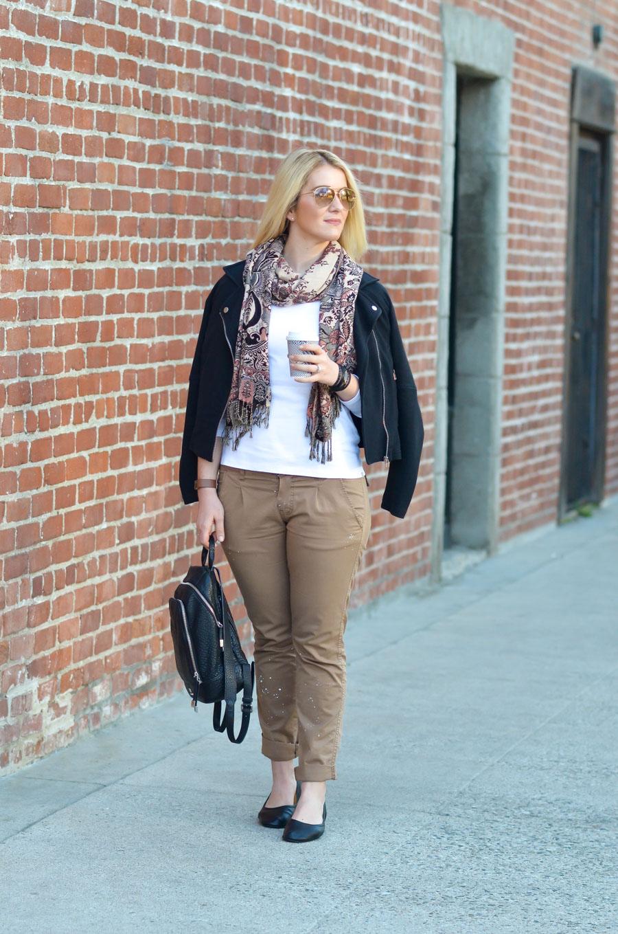 Women's Khaki Pants Outfit for Spring w. Black Flats