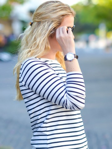 Blue Khaki Pants Outfit for Women - Spring Outfit Ideas