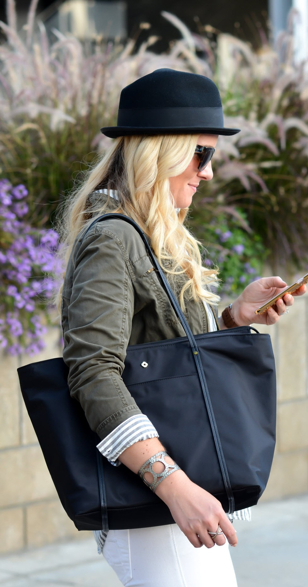 Best Travel Work Bags for Stylish Women. Chic Work Laptop Tote- Samsonite Lyssa Tote Review