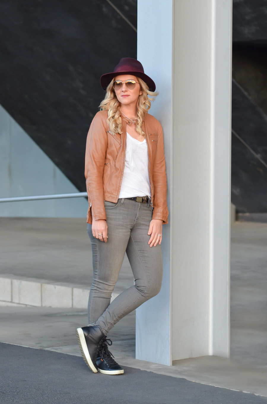 grey jeans outfit for women fall fashion  luci's morsels