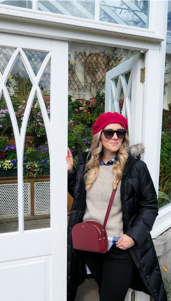 What to Wear in Scotland in Springtime. Edinburgh in April. What to wear to Balmoral Palace in April/May. #travel #travelblogger #springfashion #springstyle #ootd #scotland #whattowear