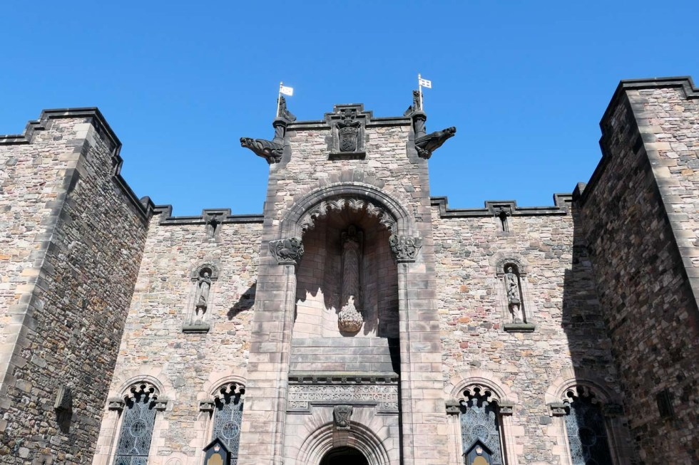Scotland Palaces + Castles to Visit - Edinburgh Castle