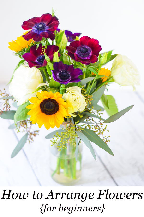 How to Arrange Flowers - Beginners. 10 Tips for Arranging Flowers and a Trip to the Los Angeles Flower Market in Downtown LA. #flowers #floral #flowerarrangement #flowerbouquet #losangeles #dtla #california #homedecor #diy #homesteading