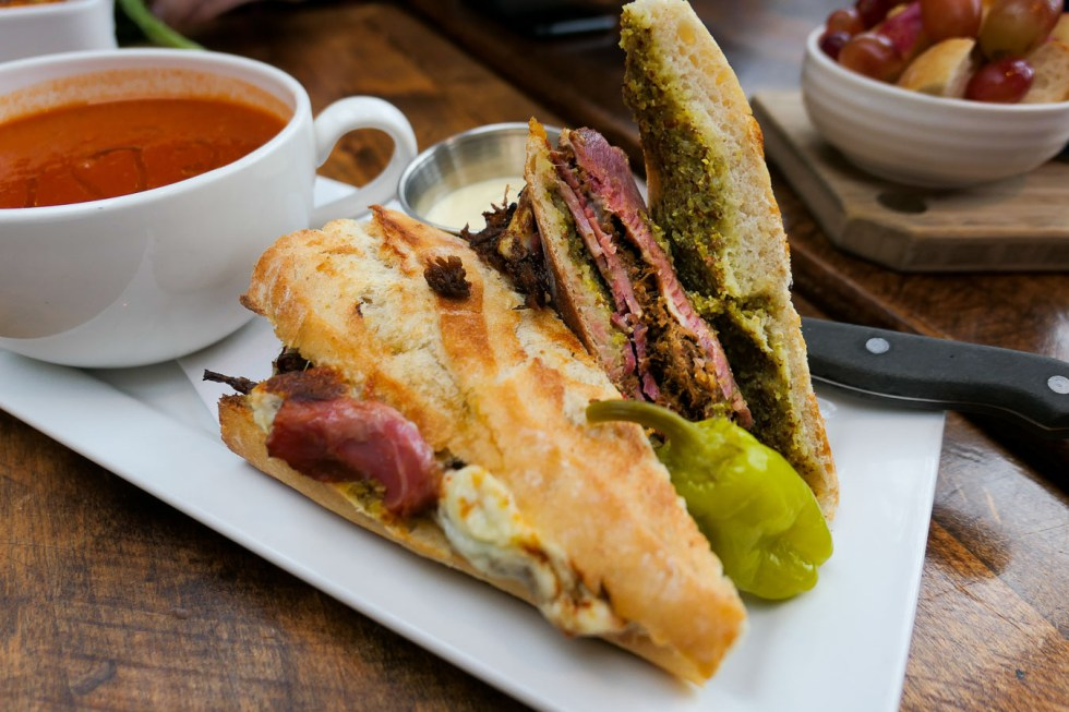 Must Visit Vancouver Restaurants and Coffee Shops Casual - Burgoo Bistro