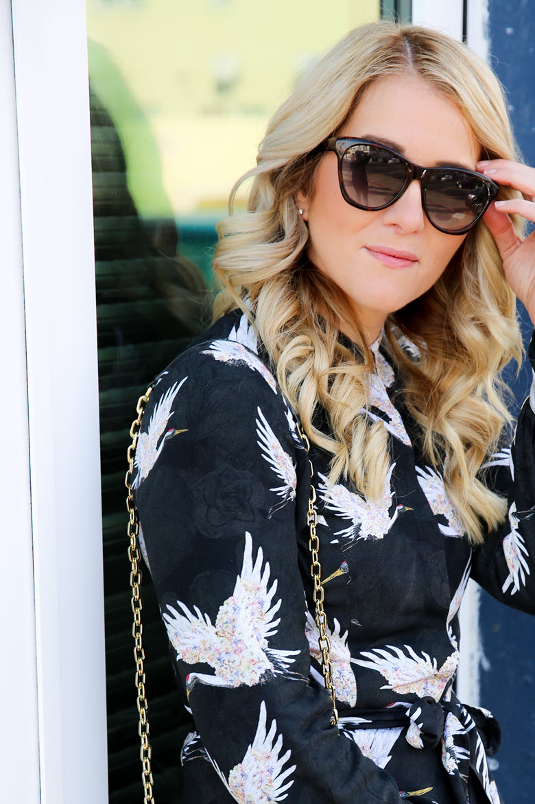 How to Curl Hair with a Straightener {w. Video}