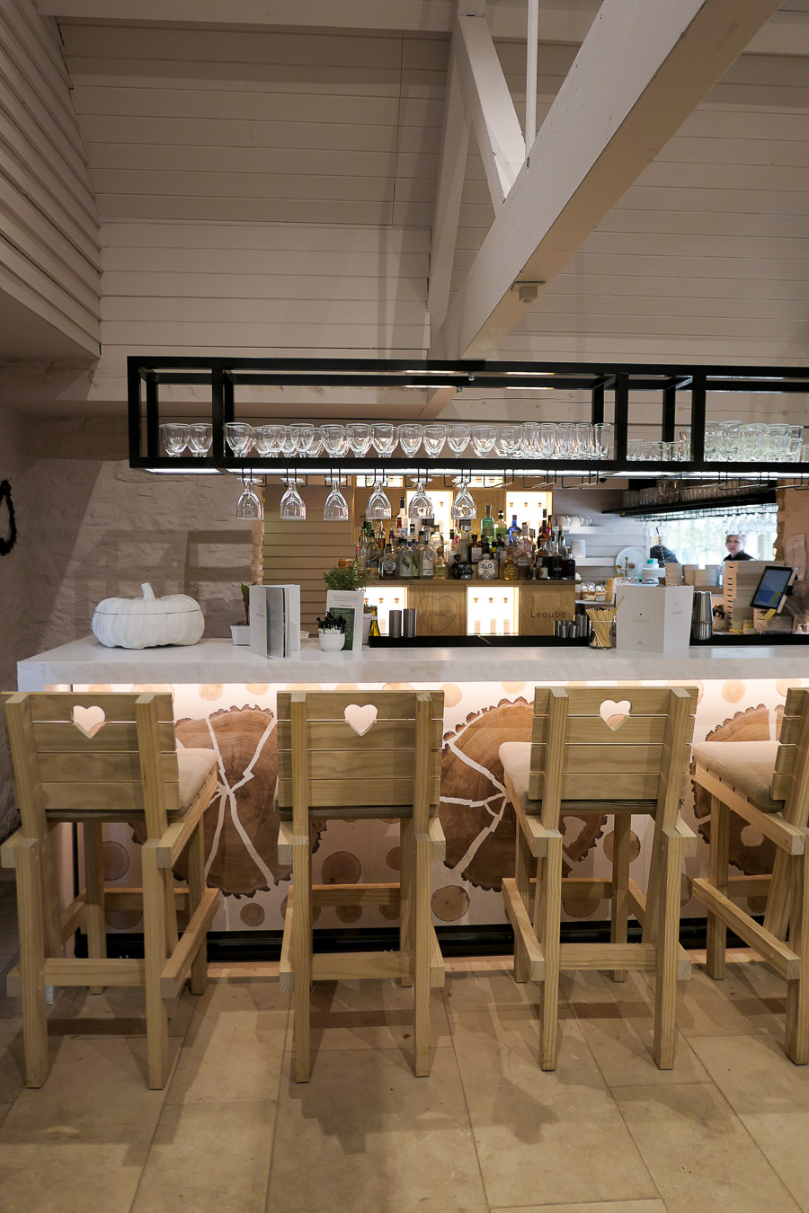Daylesford Farm Shop + Restaurant - Gloucestershire - Bar