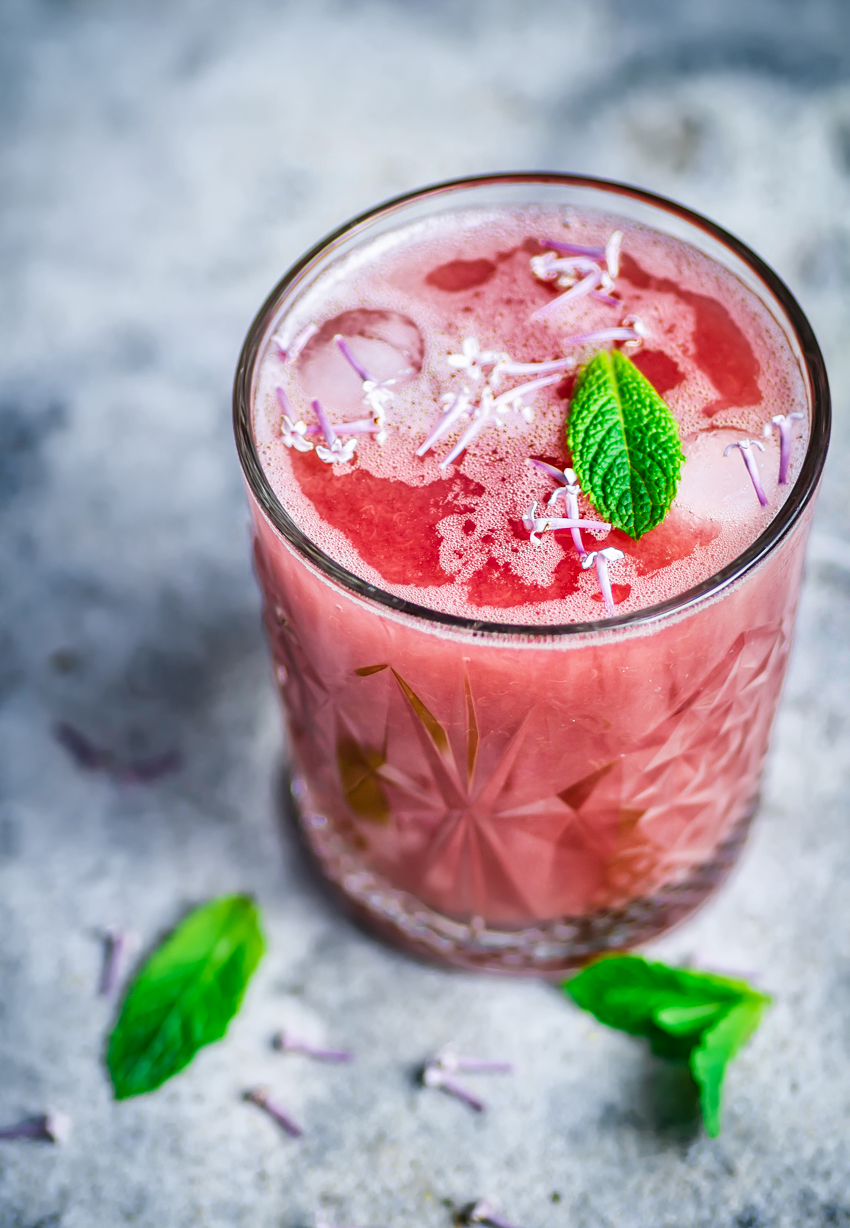 Honey Rhubarb Lemonade