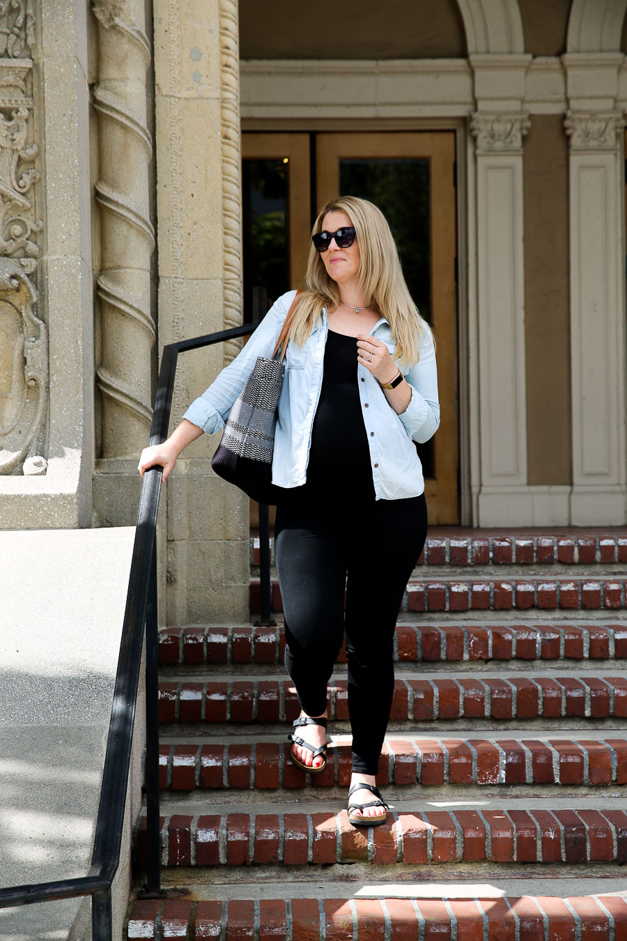 Mayari Birkenstock Outfit with Jeans