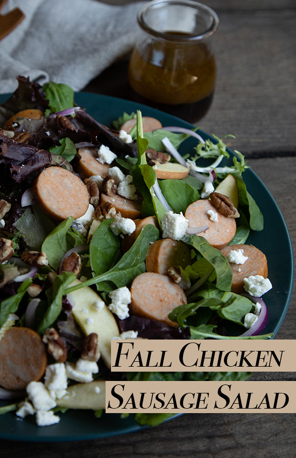 Chicken Sausage Salad Recipe. Enjoy this delicious fall salad recipe with sliced apples and maple syrup salad dressing. Made with rotisserie chicken sausage, this quick and delicious weeknight dinner recipe will be a favorite recipe in no time! #sponsored