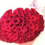 100本のバラの花束