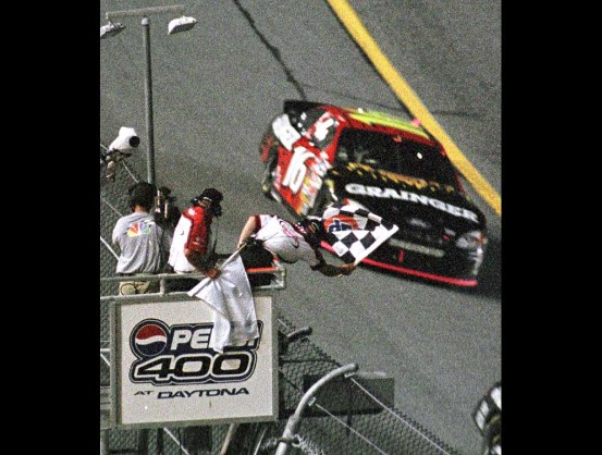 https://i2.wp.com/www.luckydogracing.com/racepictures/daytona2003/tr-07.jpg?resize=553%2C418