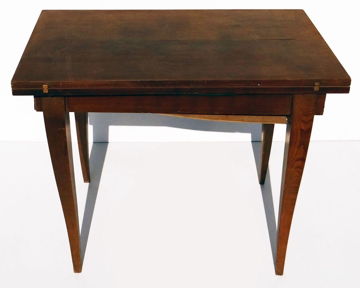 table a jeu en bois a plateau en portefeuille