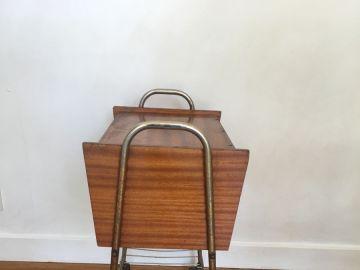 petit meuble sur roulettes vintage