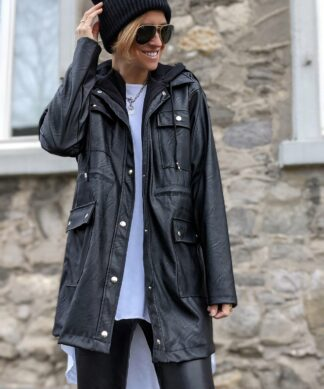 Jacke FAUX LEATHER WITH A HOOD – versch. Farben SALE