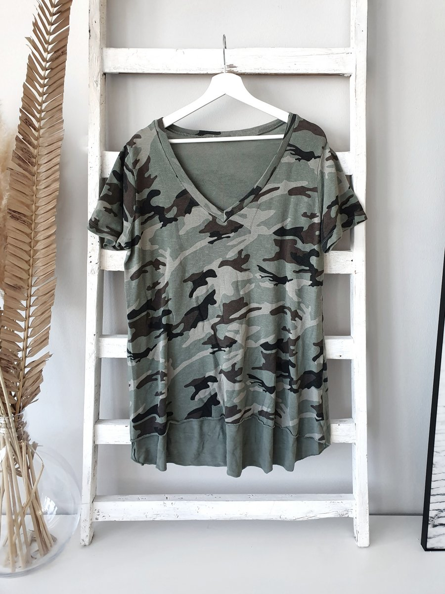 Shirt LAYER TEE  BIG V – CAMOUFLAGE