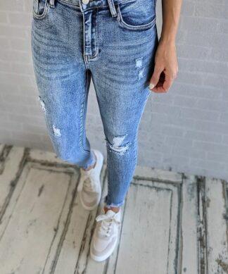 Skinnyjeans CLEO- light blue distressed