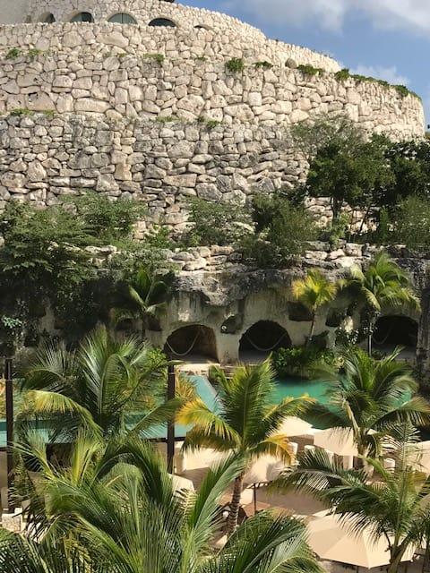 Hotel Xcaret, honeymoon destinations, romantic getaways, honeymoon ideas, destination wedding in mexico