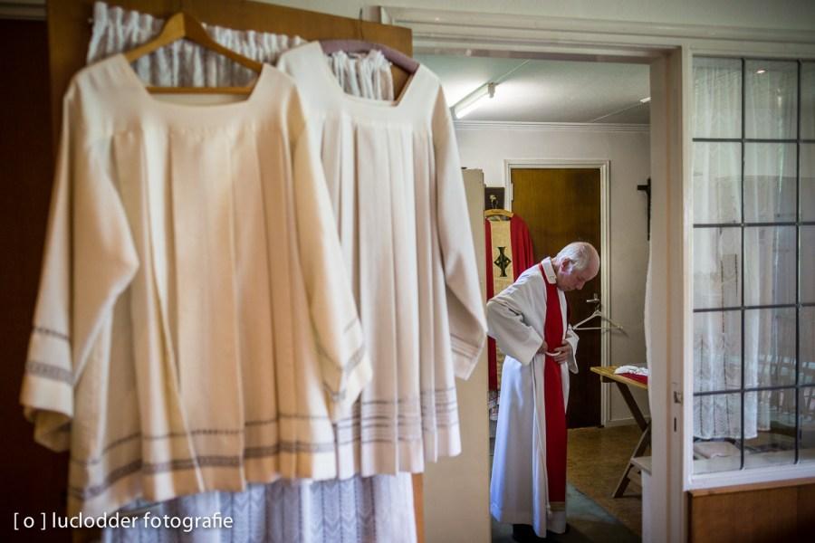 Pastoor Con Dogge kleedde zich de laatste keer om in de O.L. Vrouw van Altijddurende Bijstand te Heilust.