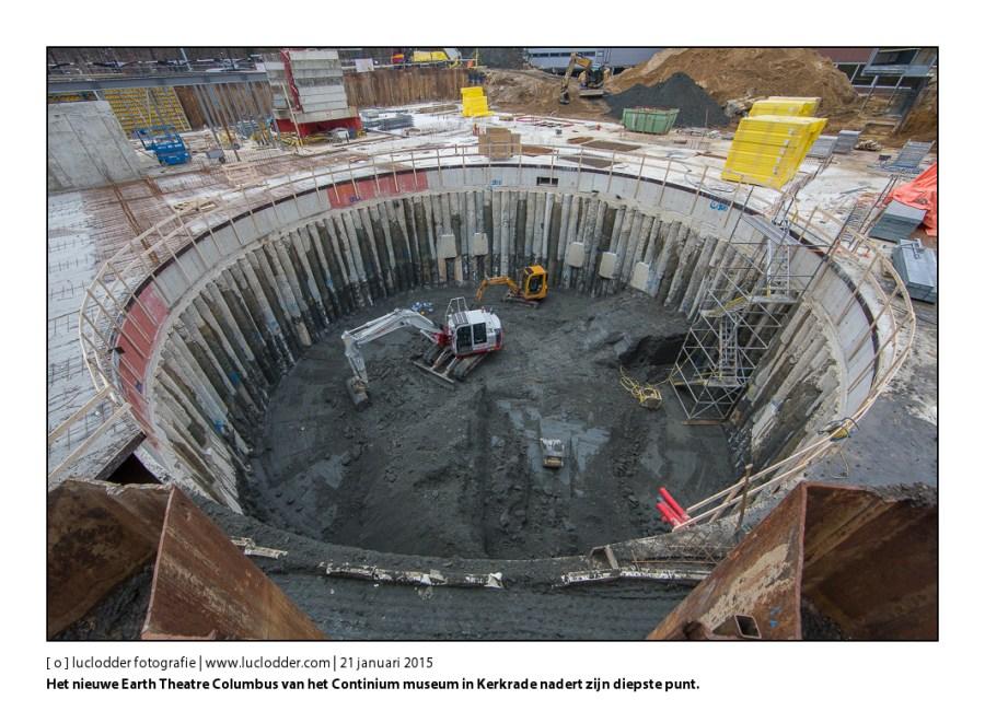Bouwkuil aardtheater Columbus. Het nieuwe Earth Theatre Columbus van het Continium museum in Kerkrade nadert zijn diepste punt.