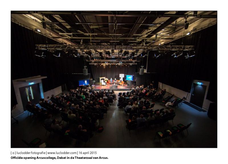 Officiële opening Arcuscollege, Debat in de Theaterzaal van Arcus waat studenten tevens een examenopdracht aan hadden.