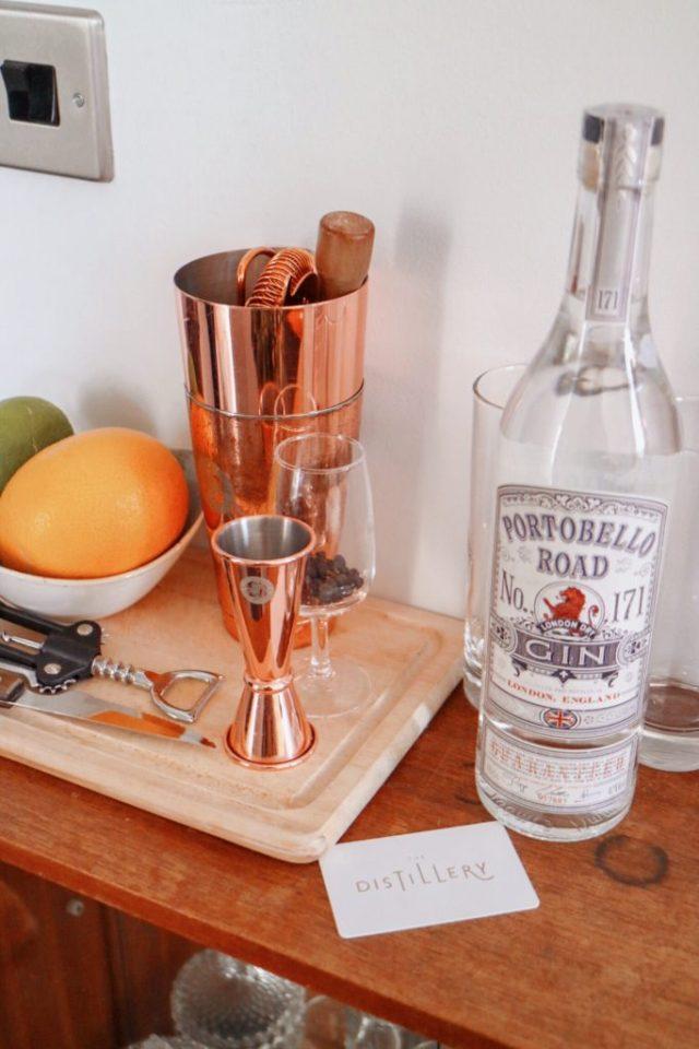 portobello road gin and tonic making in the room