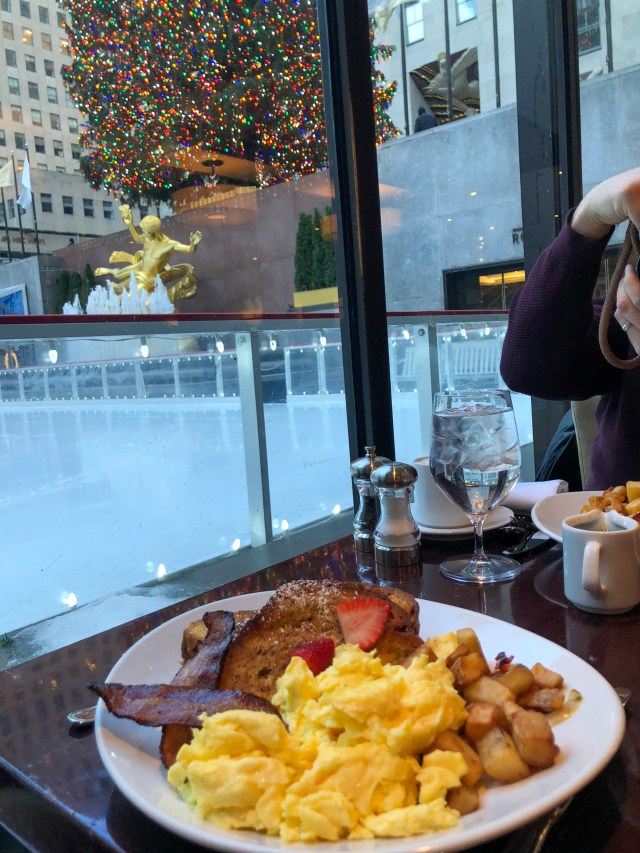 Breakfast with a view of the Rockefeller Tree New York