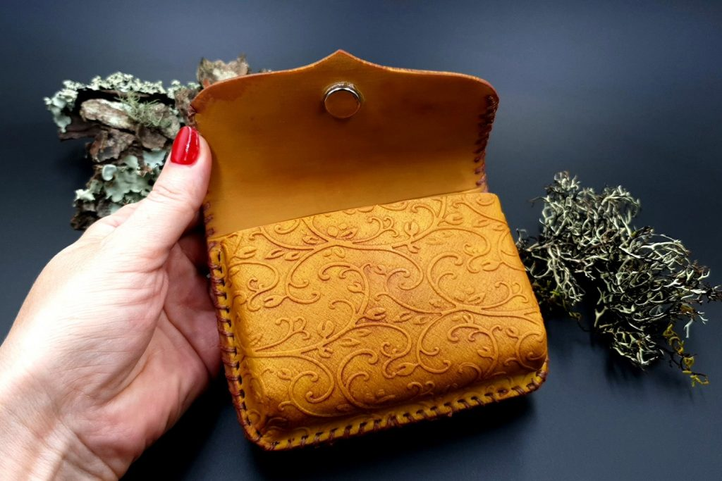 Free Tutorial: Faux Leather Belt Bag - Polymer clay FIMO 8