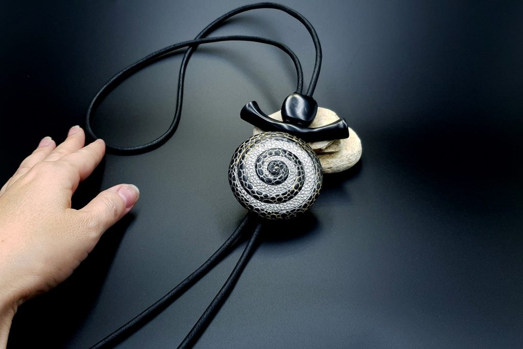 How to make: Focal Bead 4 styles - Textured Yin-Yang Swirl for Unusual Pendant 14