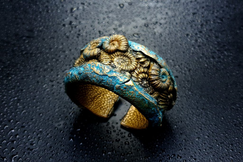How to Make: Unique Bracelet Cuff with Faux Fossil Ammonites in Rock 7