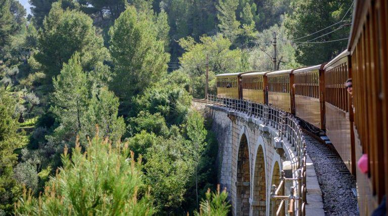 viajes en tren con encanto en España