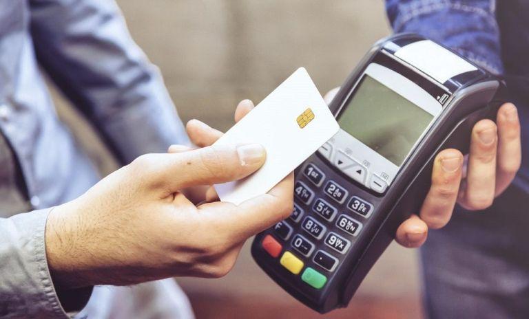te roban la tarjeta de crédito durante un viaje