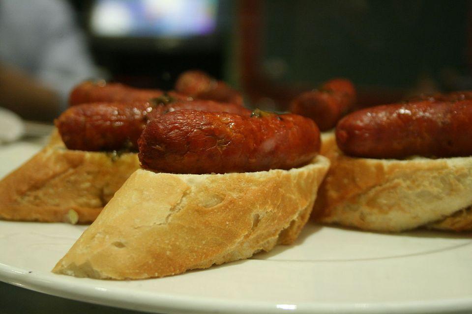 Chistorra, una de las tapas y alimentos más típicos de Pamplona