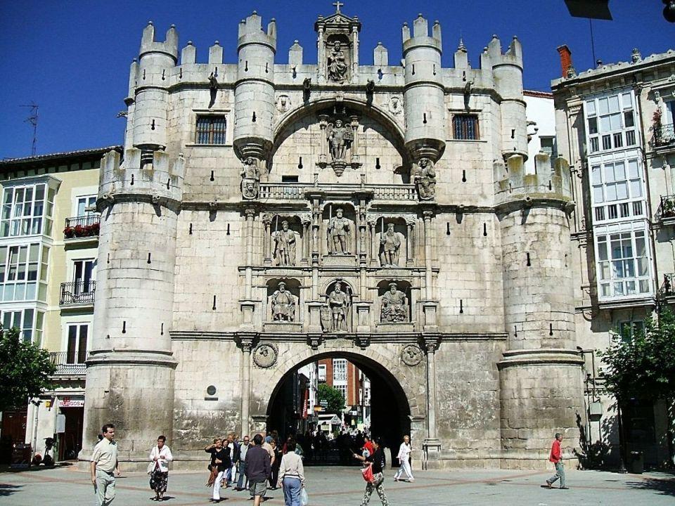 Puerta de Santa María - qué ver en Burgos