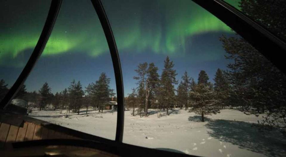 Hotel burbuja y auroras boreales