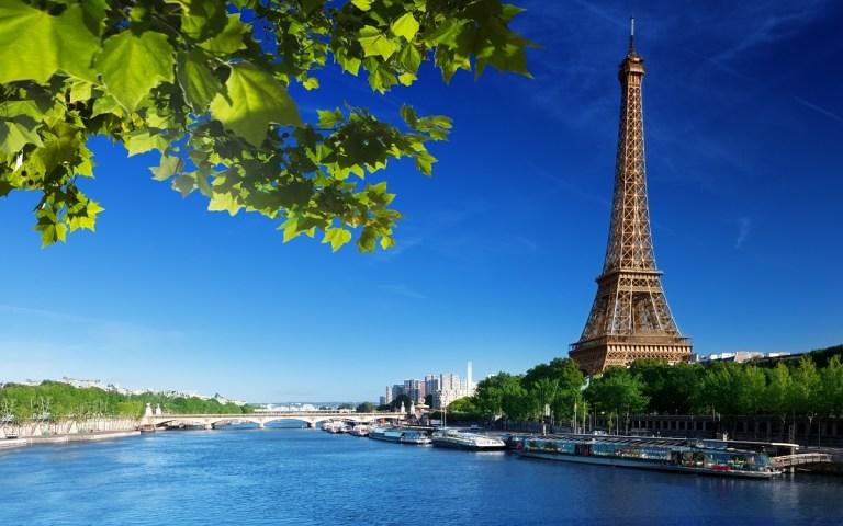 Autocine flotante en París