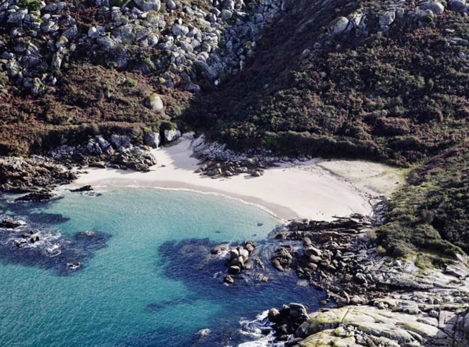 Lagoelas, otra cala de España preciosa