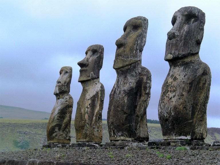 Los moáis, las estatuas de la Isla de Pascua