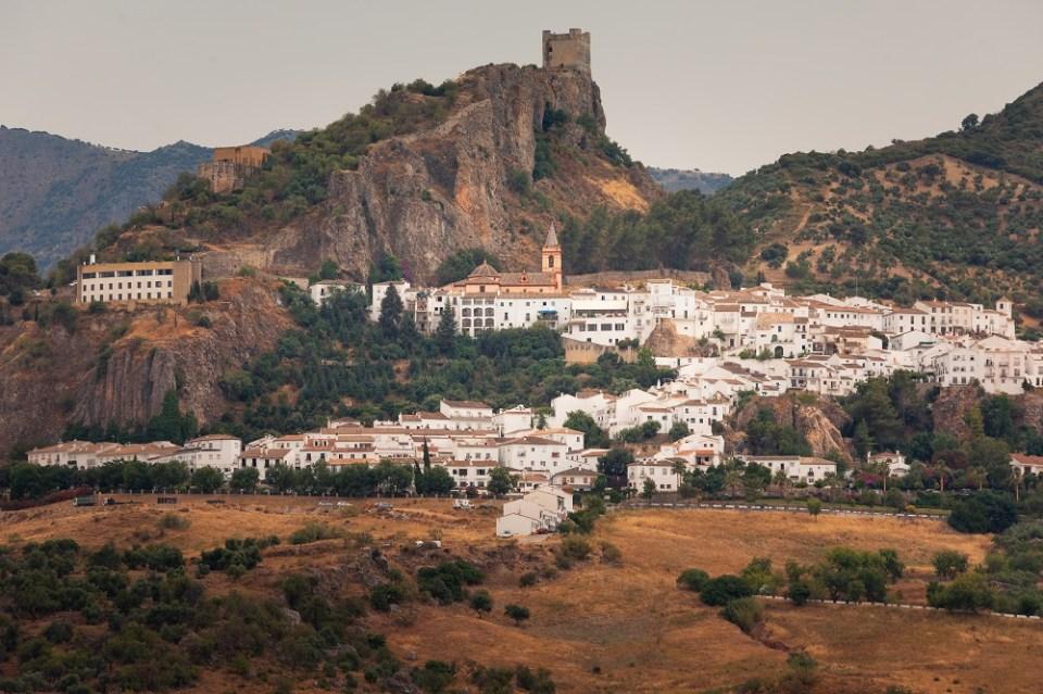 zahara - grazalema, una de las Rutas de senderismo por Andalucía