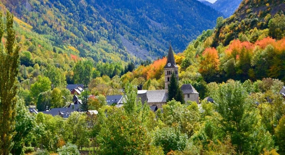 Vall de Aran, una de las rutas perfectas para otoño en España