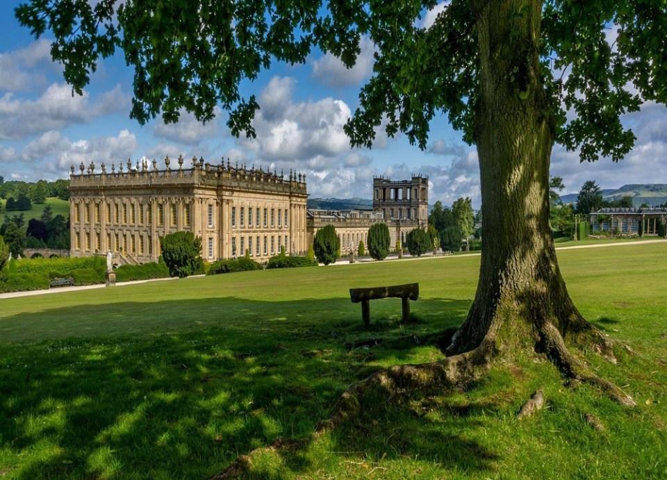 Aunque Pemberley es ficticia, puedes visitar en tu ruta por la Inglaterra de Jane Austen, la casa que sirvió de inspiración