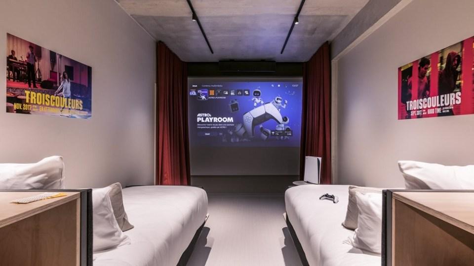 En todas las habitaciones puedes jugar a la PlayStation 5