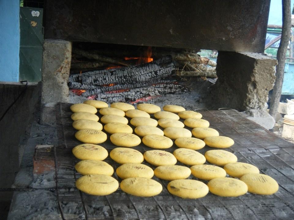 La comida venezolana se acompaña con arepas